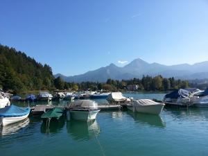 Marina am See mit Blick zum Mittagskogl