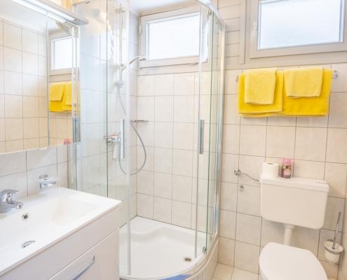 Ferienwohnung Type A Badezimmer